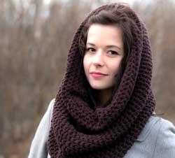 С шарфом хомутом